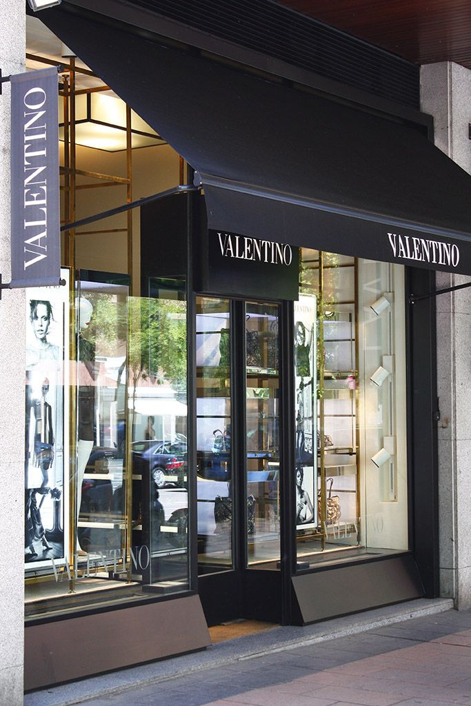 1 - Reforma integral de la tienda Valentino - estudio gd